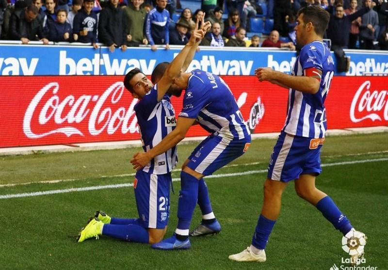 فوتبال دنیا، آلاوس با برد خانگی به یک قدمی بارسلونا رسید