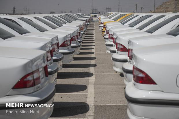 مدیران ایران خودرو مسائل مشتریان را آنالیز می نمایند