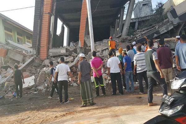 زلزله 6.4 ریشتری در اندونزی 52 کشته بر جا گذاشت