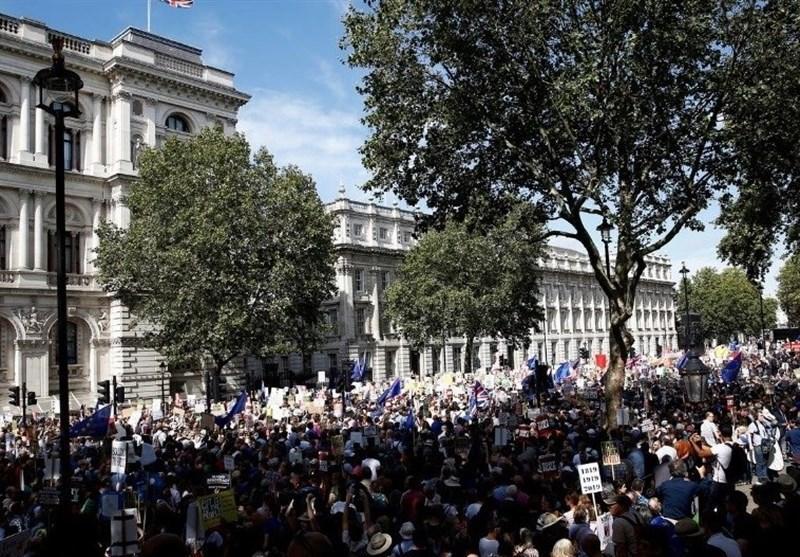 تظاهرات هزاران انگلیسی و ایرلندی در اعتراض به تعلیق مجلس