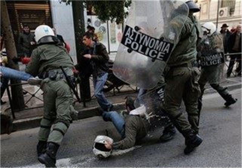 درگیری شدید بین مردم معترض یونان با پلیس