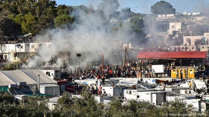 آتش سوزی و درگیری در اردوگاه موریا در جزیره لسبوس یونان
