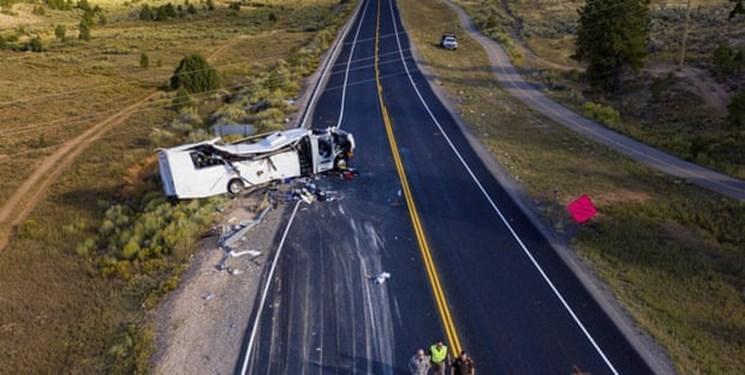 عکس، تصادف اتوبوس گردشگران چینی زبان در آمریکا با حداقل 4 کشته