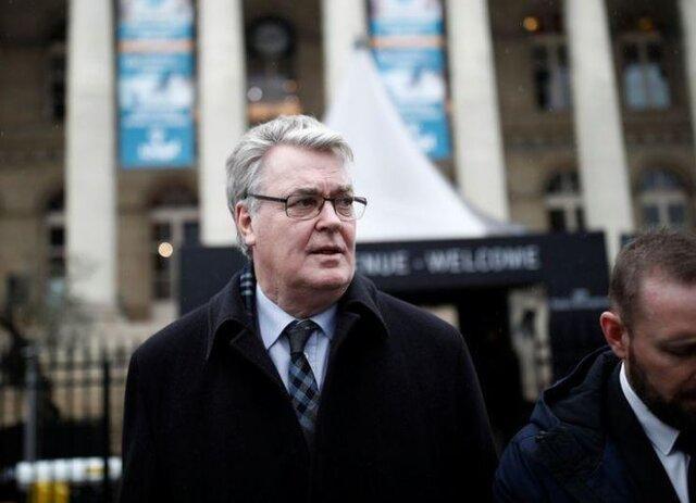 سزار اصلاحات بازنشستگی فرانسه استعفا کرد