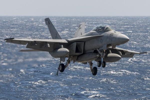حمله هوایی آمریکایی ها به مواضع حشد شعبی در الانبار
