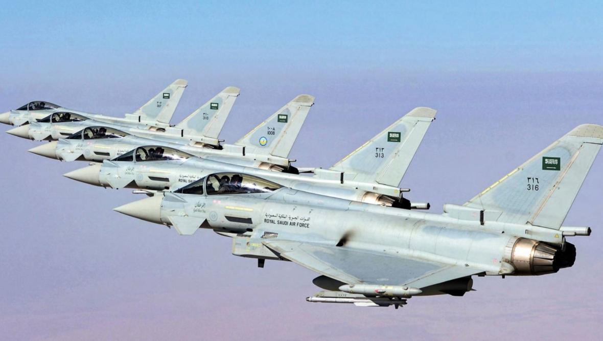 حملات هوایی و موشکی ائتلاف سعودی به مناطق مختلف یمن
