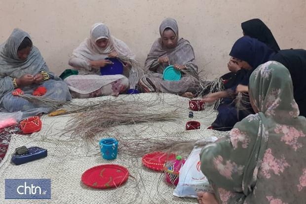 آموزش رایگان صنایع دستی به مناسبت دهه فجر در میناب