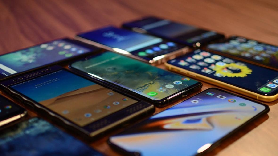 قیمت های نجومی بازار موبایل؛ خرید با نرخ نیمایی فروش با دلار 24 هزار تومانی!