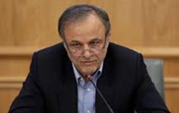 رزم حسینی: 90 درصد تسهیلات بانکی به 10 درصد وام گیرندگان داده شده است