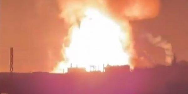 خبرنگاران وقوع انفجار مهیب یک مرکز ذخیره گاز در مرز لبنان و سوریه