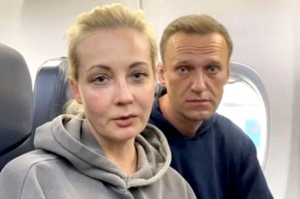 چرا الکسی ناوالنی به روسیه بازگشت؟