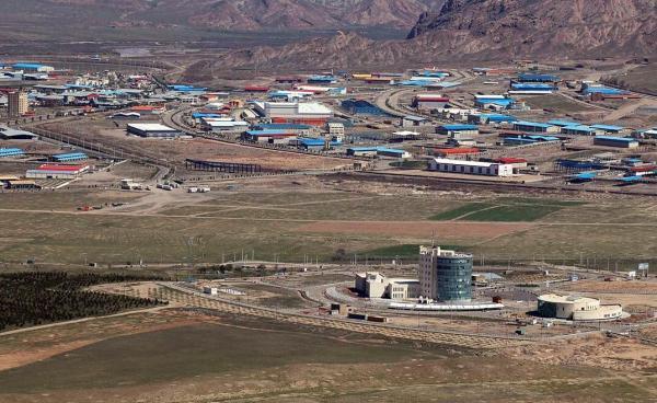 خبرنگاران دبیر شورای عالی مناطق آزاد از 5 شرکت صنعتی و تولیدی ارس بازدید کرد